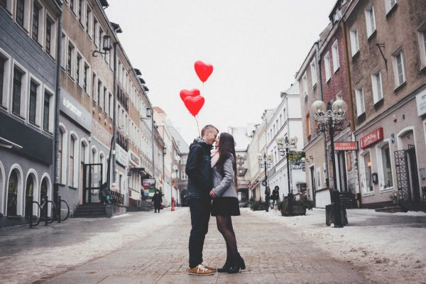 A-man-and-woman-kissing-each-other-on-the-streets