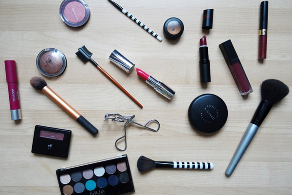 An1-assortment-of-cosmetic-products